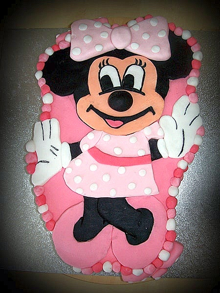 minnie mouse cake. minnie mouse cake.
